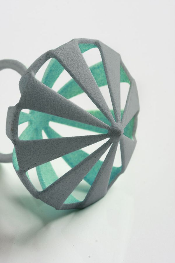 Sunruy Technologies specialize in developing and producing 3D printers.We also supply 3D printing material.http://www.sunruy.com/