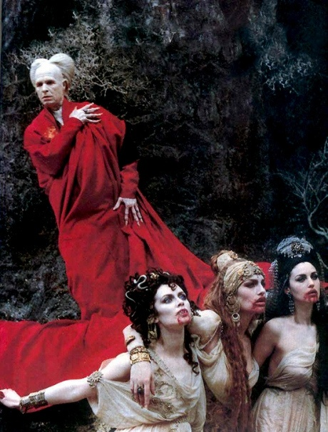 comparing vampires in twilight and bram stokers dracula Stoker didn't invent vampires—he read and books like stephenie meyer's twilight series stoker was not a have in common with dracula and bram stoker.