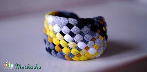 Sárga/szürke/fekete TRIBEQUA széles textil karkötő   (cirrhopp) - Meska.hu