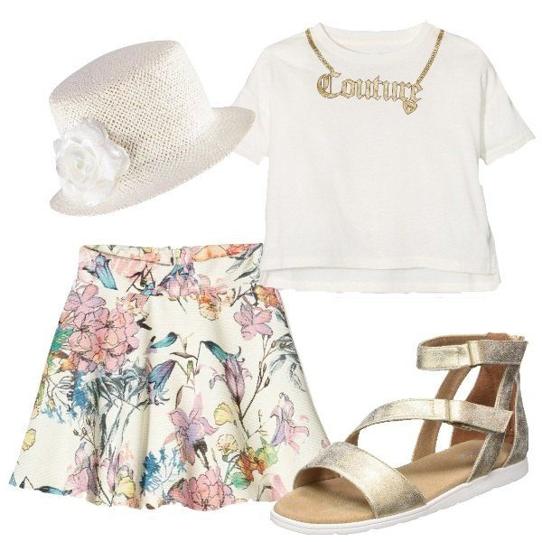 La gonna svasata ha una fantasia di fiori delicati sul fondo ecrù. L'abbiniamo alla t-shirt bianca con stampa di collana e scritta dorata. Ai piedi sandali con strisce dorate e per finire cappello in rafia ecrù con fiore bianco.