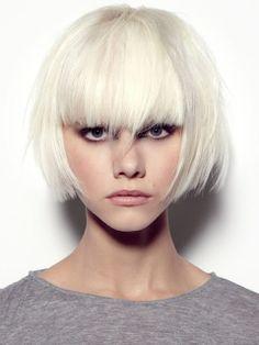 pageboy haircut platinum blonde