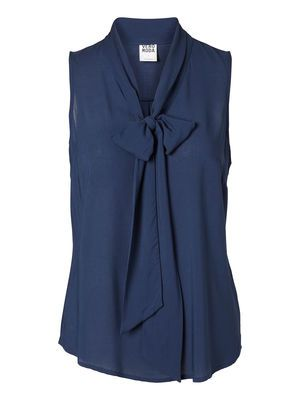 Blue top from VERO MODA. Wear it with your favourite pair of jeans. #veromoda #top #blue #fashion @Veronica MODA