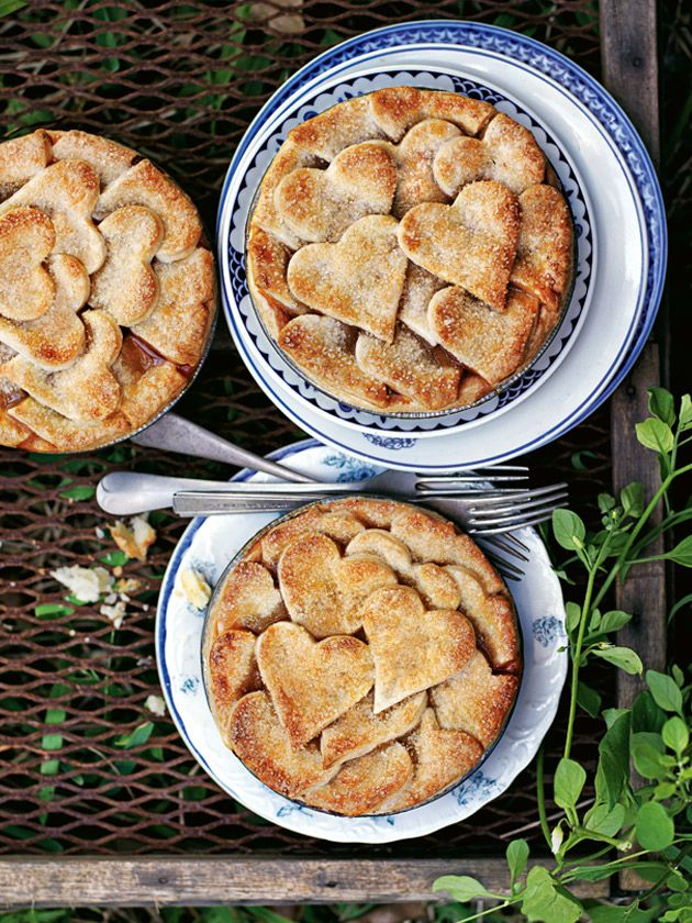 fig and almond pies from donna hay summer issue #85