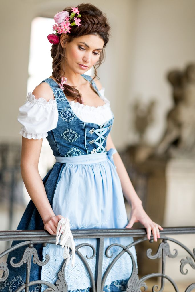 www.BlaueMaid.de - I love my Denim Dirndl!