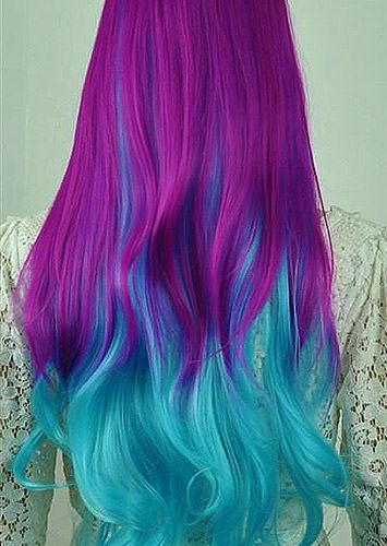 Risultati immagini per capelli colorati blu tumblr