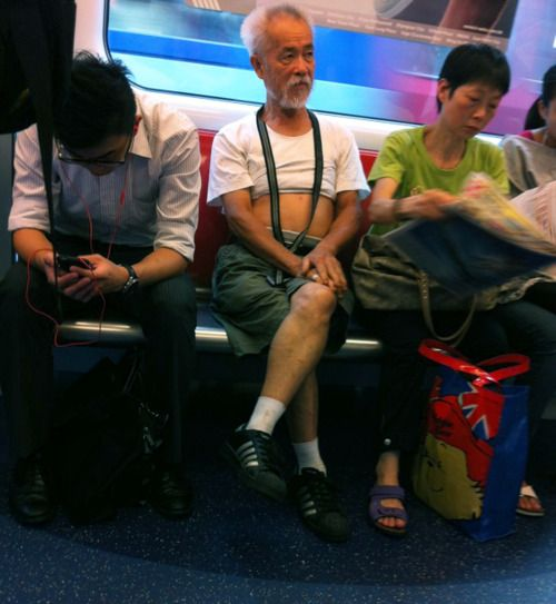 Accidental Chinese Hipster on bus