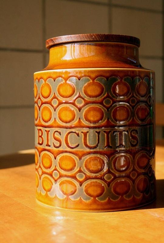 Hornsea 'Bronte' Biscuit Barrel