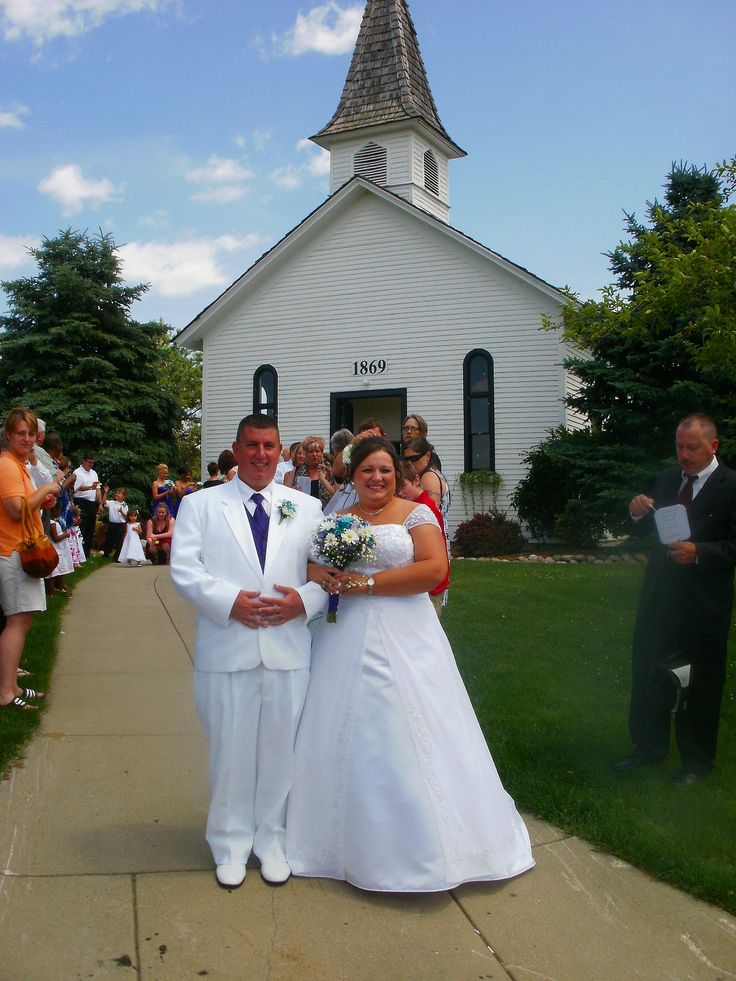 Apple Mountain Chapel In Freeland MI Is A Beautiful For An Old Fashioned Pure Michigan Wedding