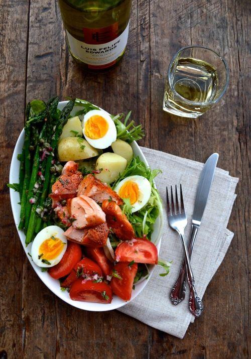 WARM SALMON SALAD NICOISE- http://thewoksoflife.com/2014/05/warm-salmon-salad-nicoise/