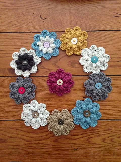 Autumn Berry Flower, free pattern by Jenny Dickens