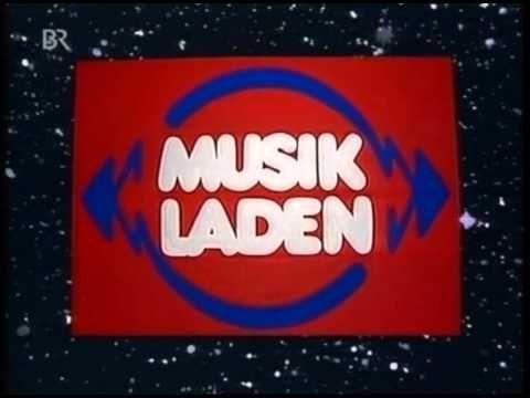 ++ 1984 - Der Musikladen ++   Der Musikladen war eine Musiksendung, die von Radio Bremen produziert wurde und vom 13. Dezember 1972 bis 29. November 1984 in insgesamt 90 Folgen im Fernsehprogramm der ARD lief. Ab dem Musikladen 33, 21. Mai 1977 wurde zu Anfang der Sendung das berühmte Musikladen-Intro mit der Melodie aus A Touch of Velvet, a Sting of Brass (1965) von Mood Mosaic gezeigt. Zur Melodie waren Gogo-Tänzerinnen zu sehen.