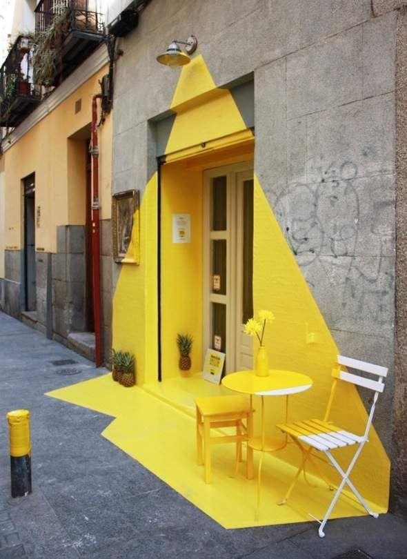 Installation Éphémère par (fos) Madrid : Lumineuse Illusion Anamorphique
