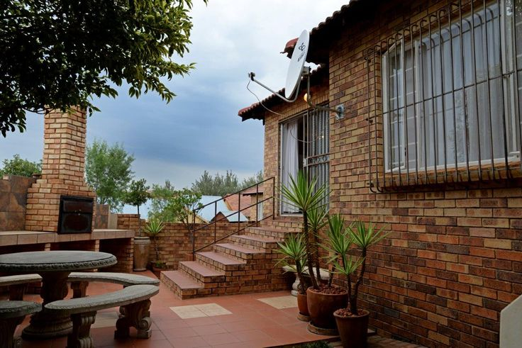 Property for sale in Willowbrook R945