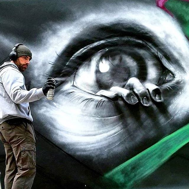 Tu me sors par les yeux ! / Street art. / UK. / By Trans 1. / Photo by StreetArtNews.