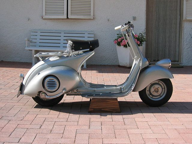 v98-1 | Vespa V98 scooter. Depicted is a scooter that was fo… | Flickr
