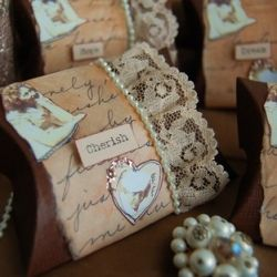 Wedding favours are a funny old thing aren't they? But it's a lovely idea to thank guests for coming to your wedding