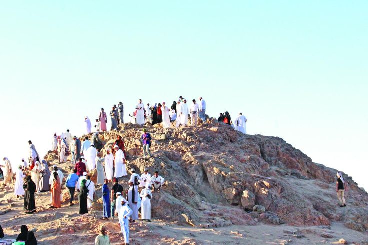 Pilgrims flock to historic Uhud battle site http://betiforexcom.livejournal.com/24430330.html  Author: YUSUF MOHAMMEDSun, 2017-06-04 03:00ID: 1496529403519003200MADINAH: Many pilgrims and visitors to Saudi Arabia are visiting the site of the Battle of Uhud, one of the most famous and fiercest battles in Islamic history. Uhud, in Madinah, was the scene of a battle in 625, in which Muslim forces under Prophet Muhammad (peace be upon him) battled against the Quraysh tribe from Makkah.  Visitors…