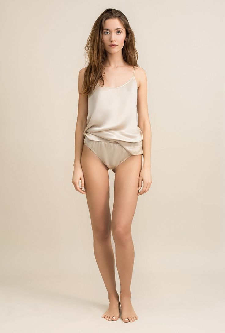 Satin top in sandwashed cupro Lily cream - MOYE homewear