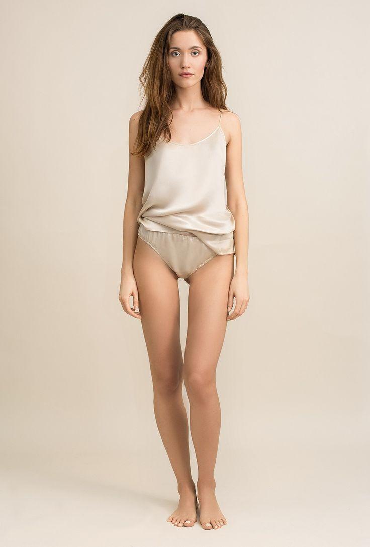 Satin top in sandwashed cupro Lily cream - MOYE homewear