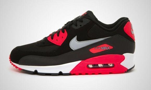 90'ların ikonik koşu ayakkabılarından esinlenilerek tasarlanan Nike Air Max Command ayakkabıları* Phylon orta taban ile birleştirdiği Max Air ünitesi sayesinde süper yastıklama sunarken* dayanıklı dış yüzey malzemesi ile günlük kullanımda konforunuzu arttırır. Nike Air Max Command Kadın Mor Spor Ayakkabı (397690-555) Ürün Fiyatı : 319*00 TL Link Profilde >> Sporjinal #sporjinal #NikeAirMax