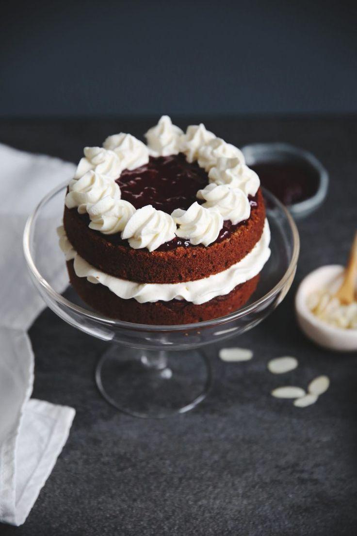 Ricetta della torta di Runeberg | Runeberg's cake | Runebergintorttu | Runebergintäytekakku | on Due fili d'erba | Two blades of grass | Recipe and photos by Thais FK