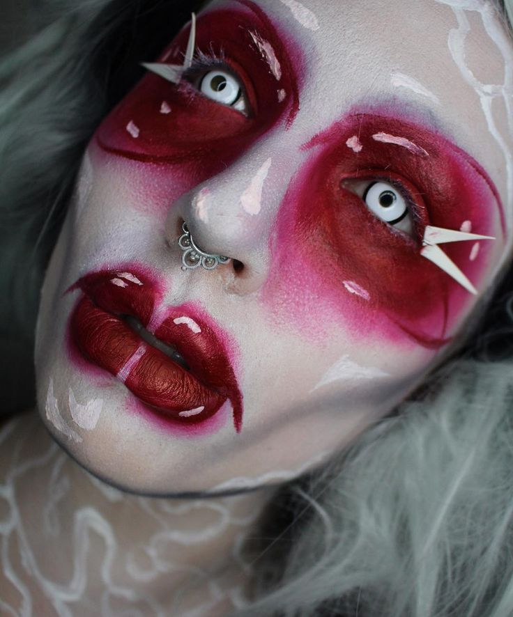"""Starla Isbey (@starla_isbey) on Instagram: """" Felt like being a little creepy tonight  Inspired by @michael_hussar for this look because why…"""""""