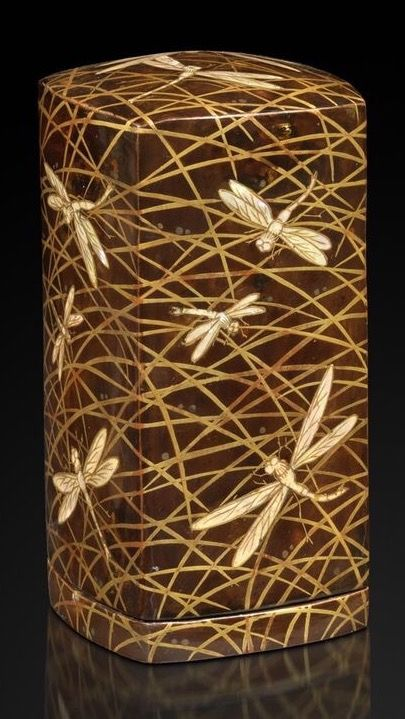 Tea container with design of dragonflies. Gold hira-maki-e and mother-of-pearl work.