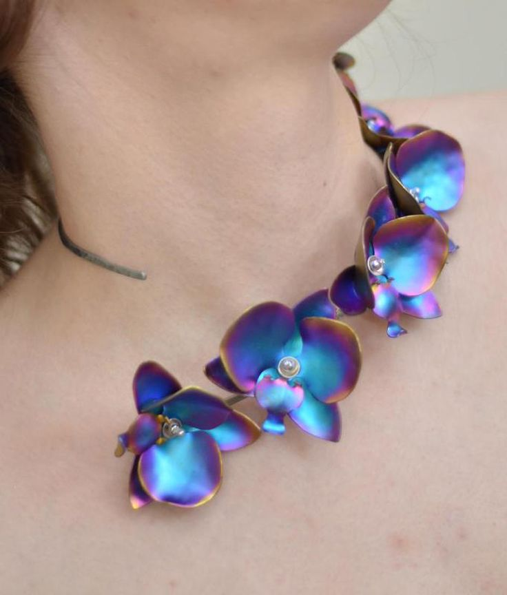 Breanne Avender. Necklace - actually  anodised aluminium, but maybe enamel inspiration? ♥•♥•♥
