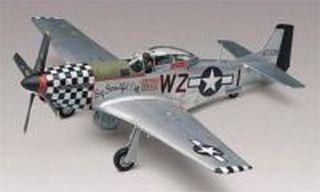 REVELL-MONOGRAM P-51D MUSTANG PLASTIC GLUE AND PAINT MODEL AIRPLANE KIT