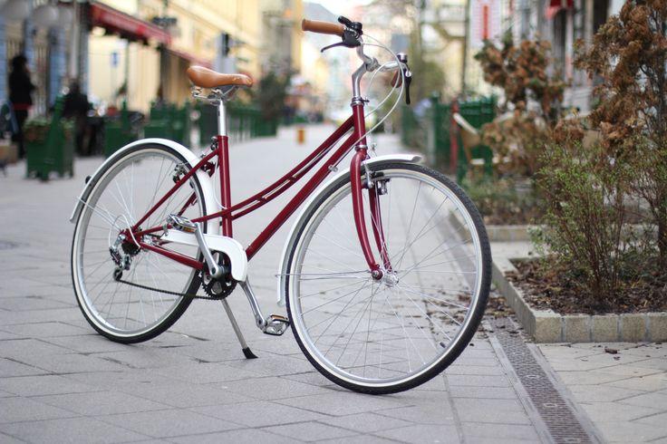 Sikkes biciklik csajoknak - Bízd magad a fantáziádra: legyen egyedi bringád és járj vele külön utakon! Olvass tovább: http://www.stylemagazin.hu/hir/Sikkes-biciklik-csajoknak/4853/