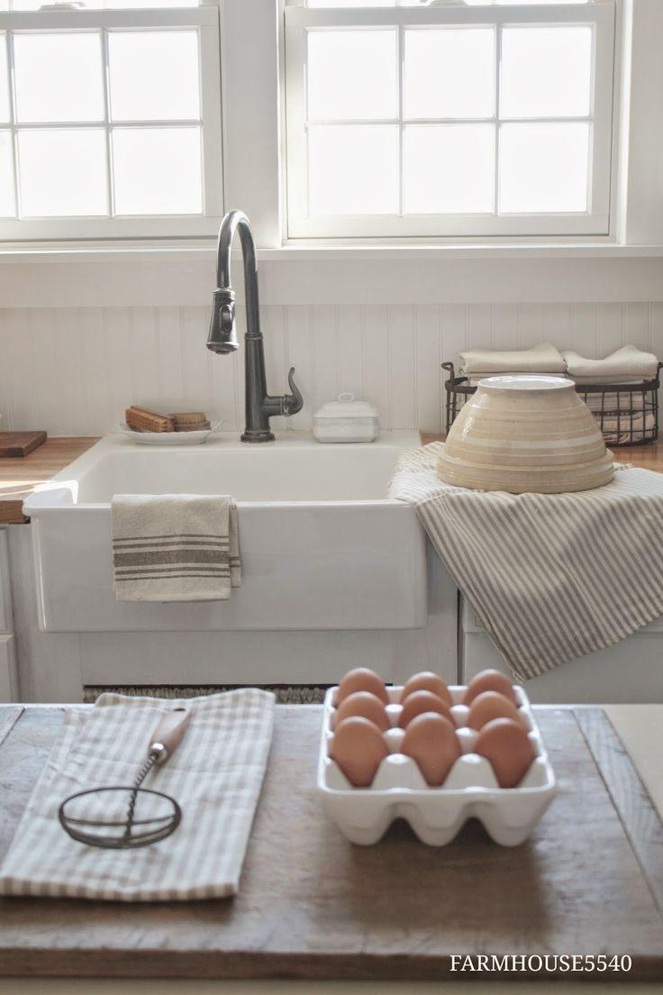 http://farmhouse5540.blogspot.com/ I love  , love a farm house sink