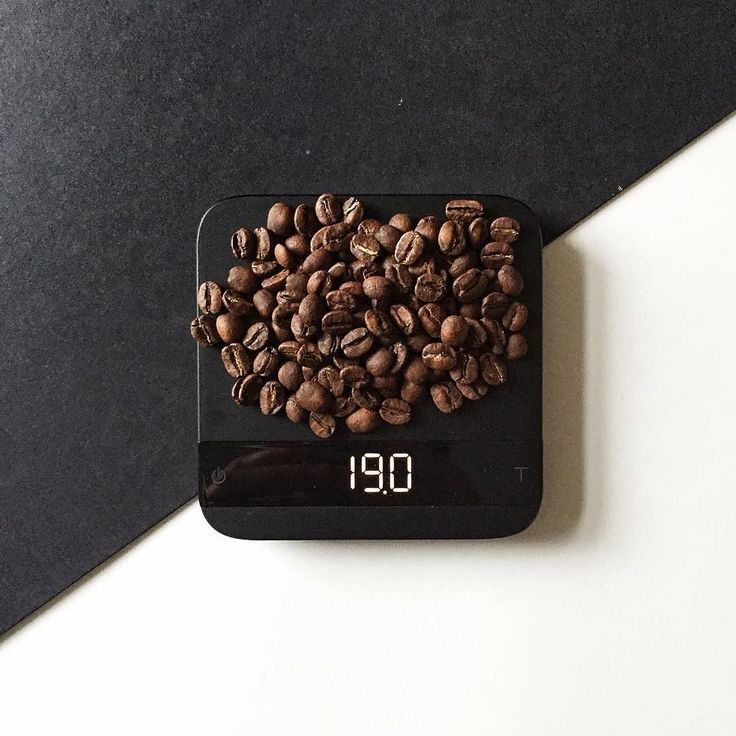 @lastguest_hh  Specialty Coffee Advent Calendar (by @kaffebox)  Dec 19  Another great coffee by @lacabracoffee! This Sumava Costa Rica (black honey) has flavours of lemon and cascara and a very nice mouth feel.  #kaffebox #kaffeboxjul #25cupsofchristmas #specialtycoffeeadventcalendar #lacabracoffee by kaffebox