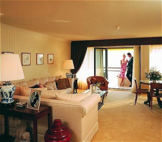curtains,hotel ROYAL PLAZZA MONTREUX