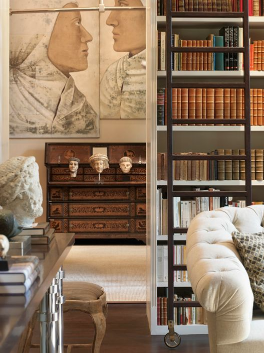 Beautiful accessories in this library. Luis Bustamante.