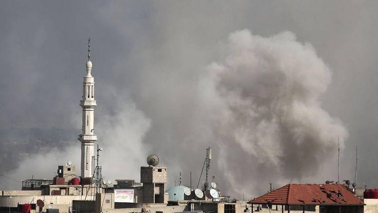 Rebellen gegen Regierung, Israel gegen den Iran, Türkei gegen Kurden - und mittendrin die USA und Russland: In Syrien bekämpfen sich etliche Feinde. Das ...