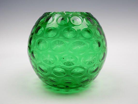 Znalezione obrazy dla zapytania Borské Sklo glassworks in Czechoslovakia