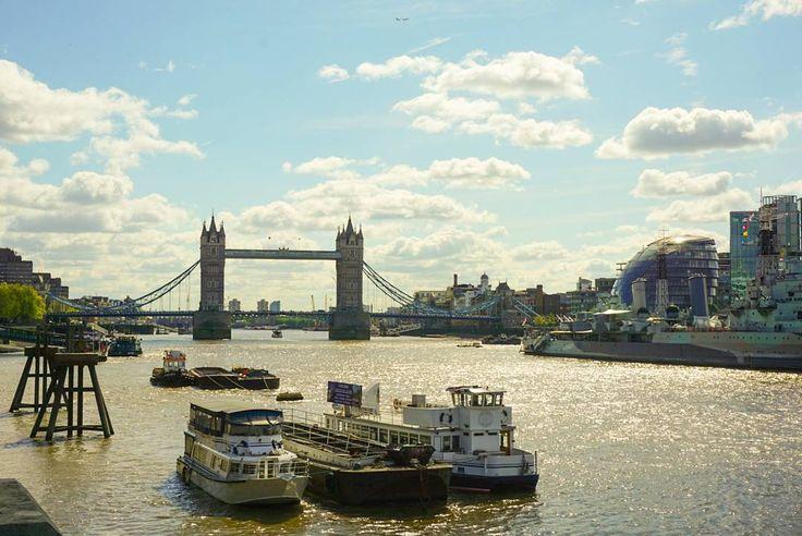 London Tower Bridge  Sony Alpha 6000  #london #londontown #londonlife #toplondonphoto #visitlondon #igers #igerscologne #igerslondon #ig_worldclub #ig_london #ig_uk #sunny #natgeo #jjcommunity #towerbridge #ship #sky #skyline #unterwegs #rausgegangen #holiday #traveling #travel #londongram #travelgram #unitedkingdom