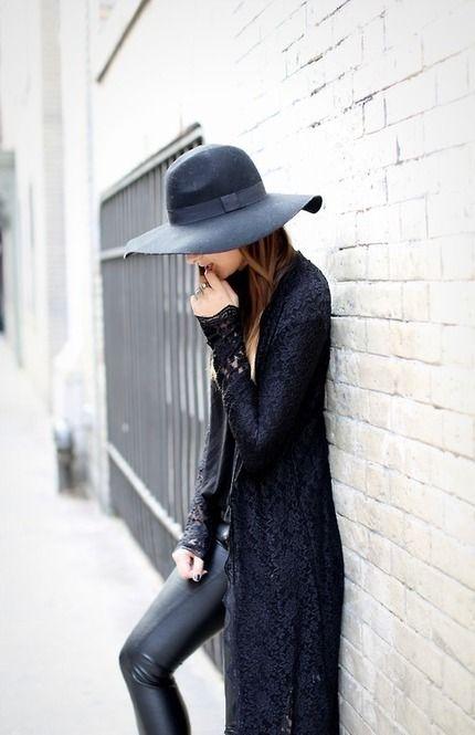 ロングカーディガン×女優帽のお洒落な秋のコーディネイト♡