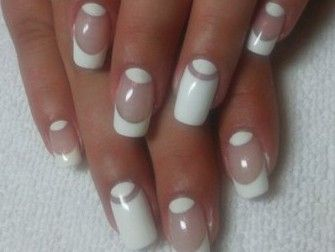 Half-moon manicure : new designs photos