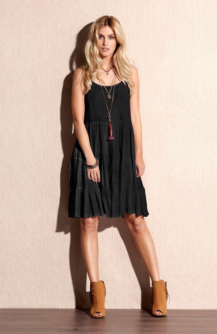 Sukienka marki TrulyMine, http://www.halens.pl/moda-damska-rozmiary-specjalne-na-gore-5828/sukienka-cassie-555657?imageId=393870&variantId=555657-0001