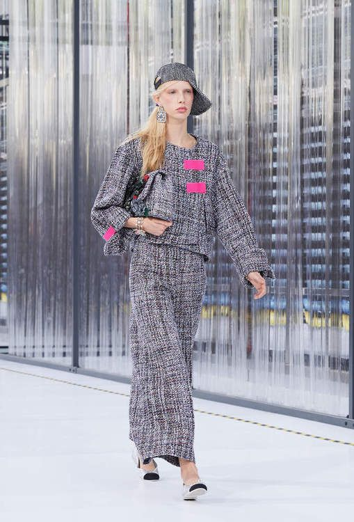 Ready-to-wear - Spring-Summer 2017 - Look 24 - CHANEL