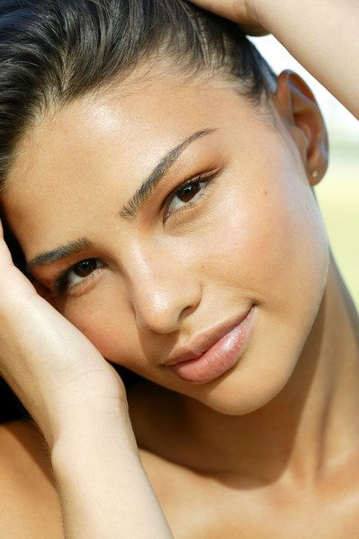 Milk, Oils and Dried sticks: All Sunscreens For Summer 2014