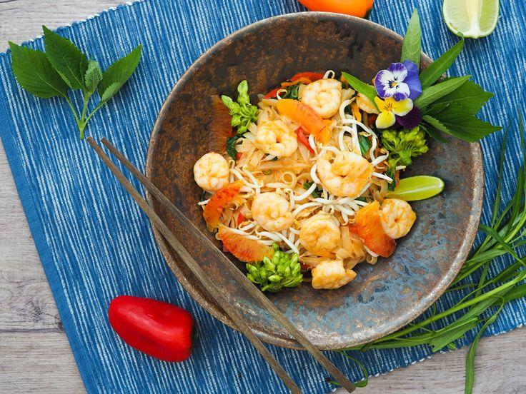 Rýžové nudle s krevetami, pomerančový kari dresink | Oh My Chef