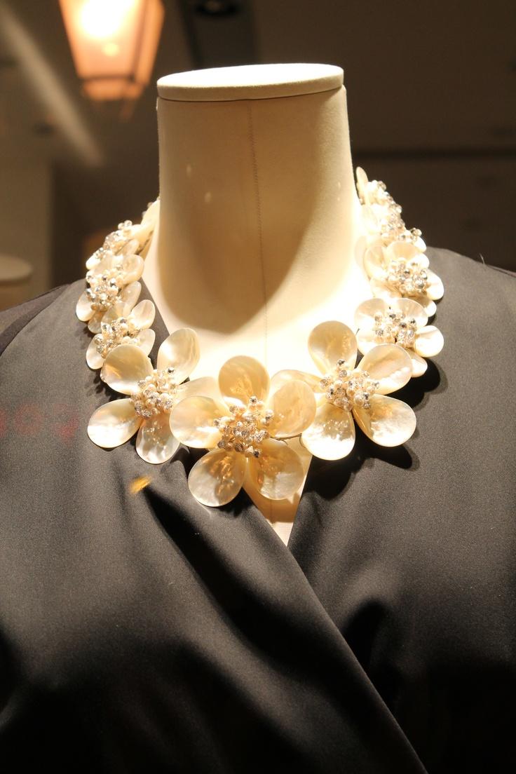 Flower necklace #max_mara #greece #window_display_photo