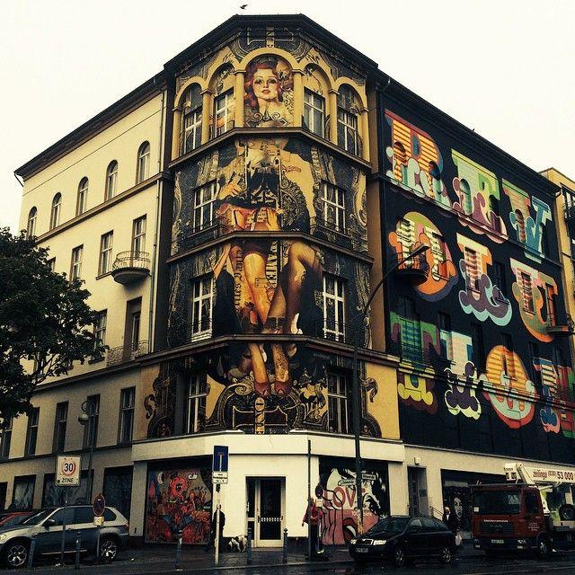 Street art | Mural (One Wall Project, Bülowstrasse and Zietenstrasse, Berlin, Germany, 2014) by Handiedan