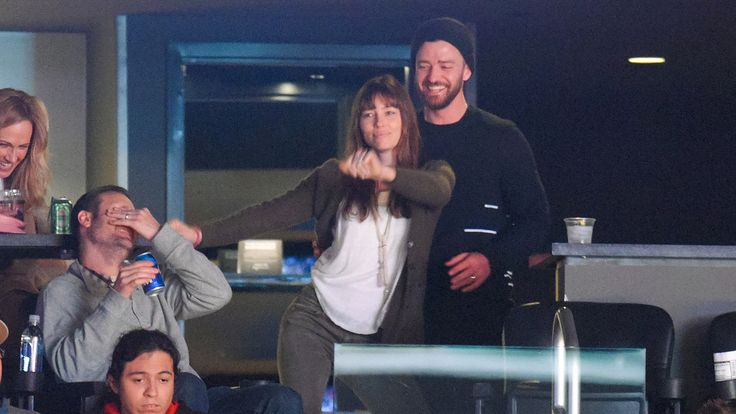 Jessica Biel and Justin Timberlake 2017 | Justin Timberlake and Jessica Biel are too cute at Lakers game - TODAY ...