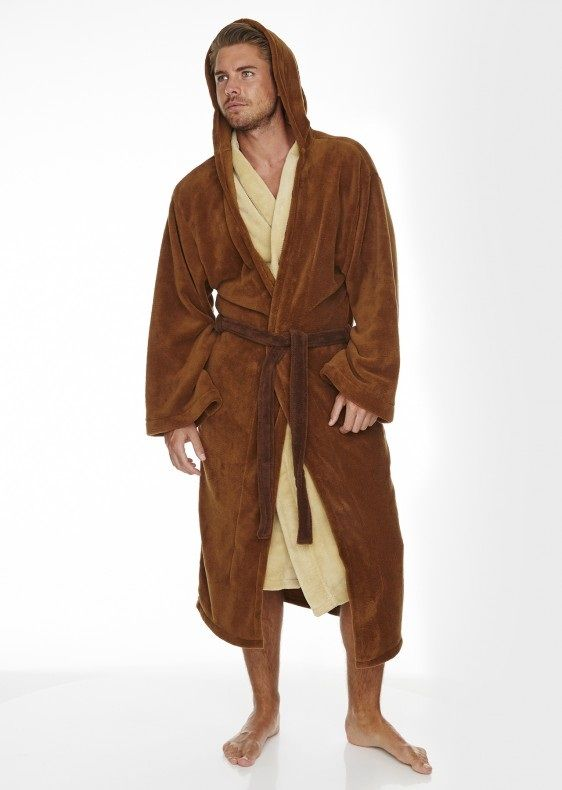 Jedi, you are! Become one with the force by slipping into theStar Wars Jedi Outfit Bathrobe. The gown has two large side pockets and an embroidered badge on the back showing your allegiance.With its layered cream on brown front panelling andsuper-sized hood, you'll be snug and an upholding member of the galactic community at the …