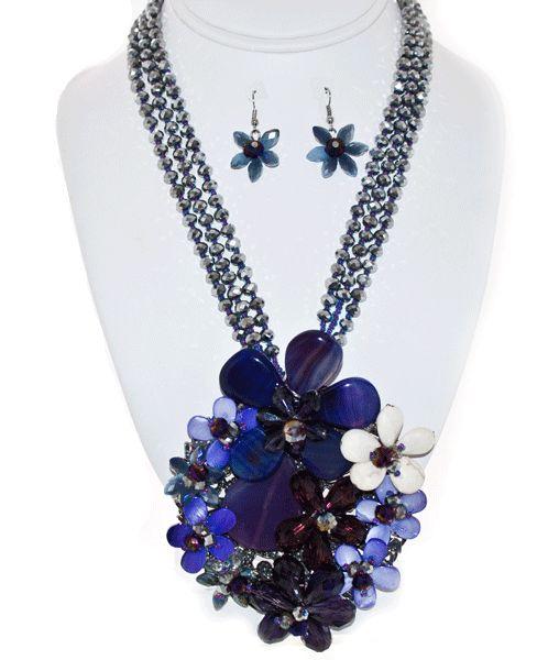 http://kareliafj.tictail.com/product/flower-pendant-necklace-earring-set-363482