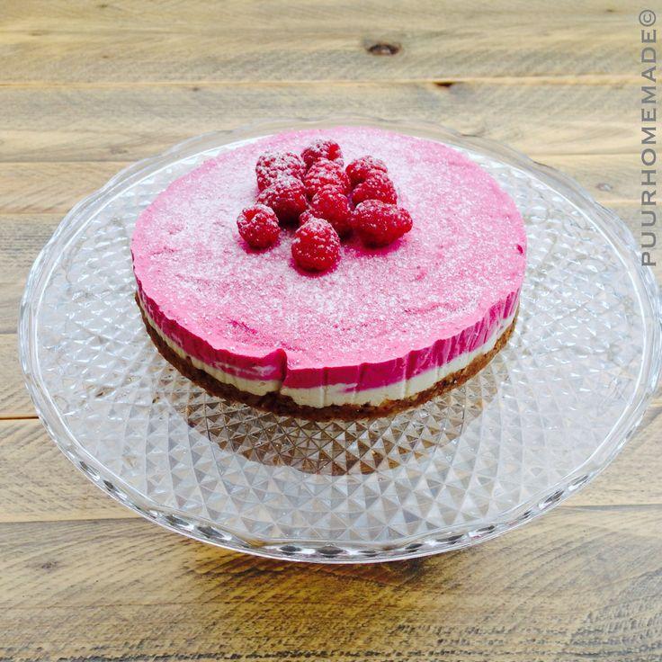 Raw frambozen cheesecake zonder geraffineerde suiker, koemelk en gluten