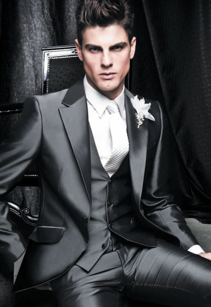 can this suit makes him handsome?!:)